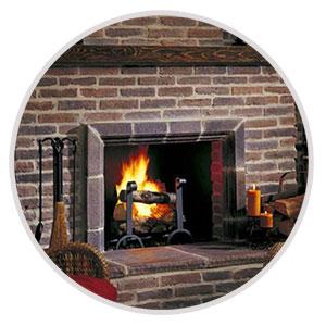 Отделка камина при помощи клинкерного кирпича из огнеупорной глины