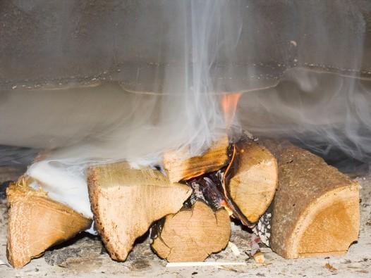 Сильный дым от дров