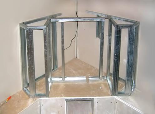 Металлический каркас углового камина